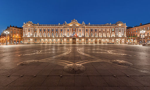 512px-toulouse_capitole_night_wikimedia_commons